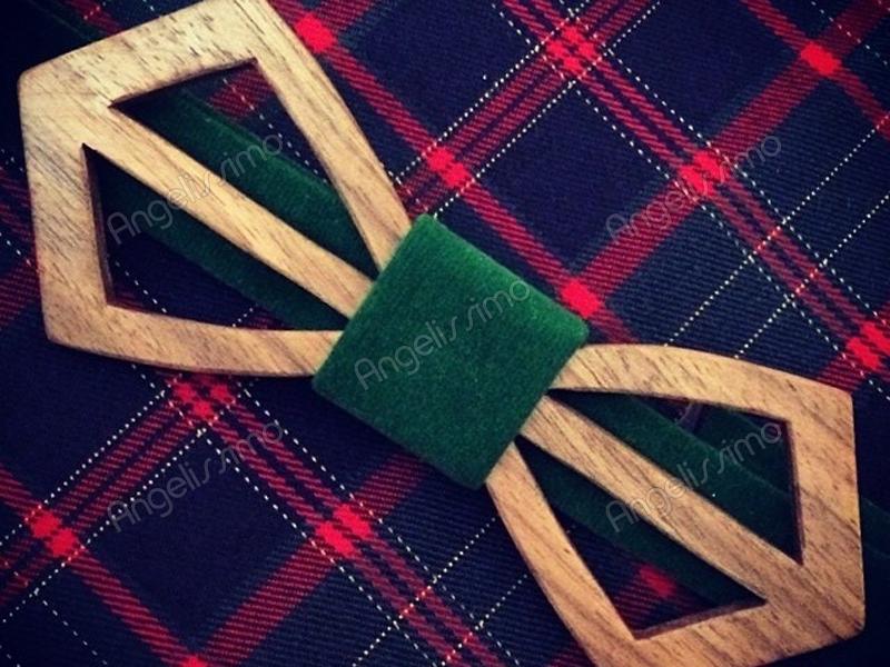 Бабочка из дерева с зеленым велюром от BowtiEsta