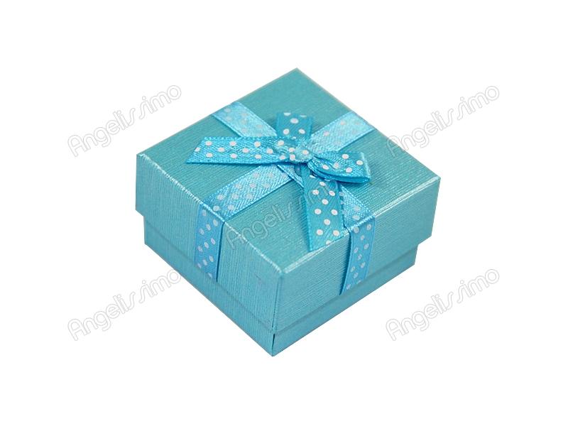 Подарочная коробка голубого цвета