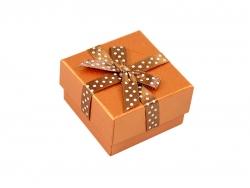 Подарочная коробка коричневого цвета