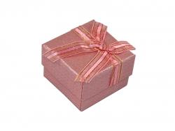 Подарочная коробка розового цвета